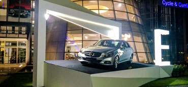 Mercedes Benz Car Display - Car display